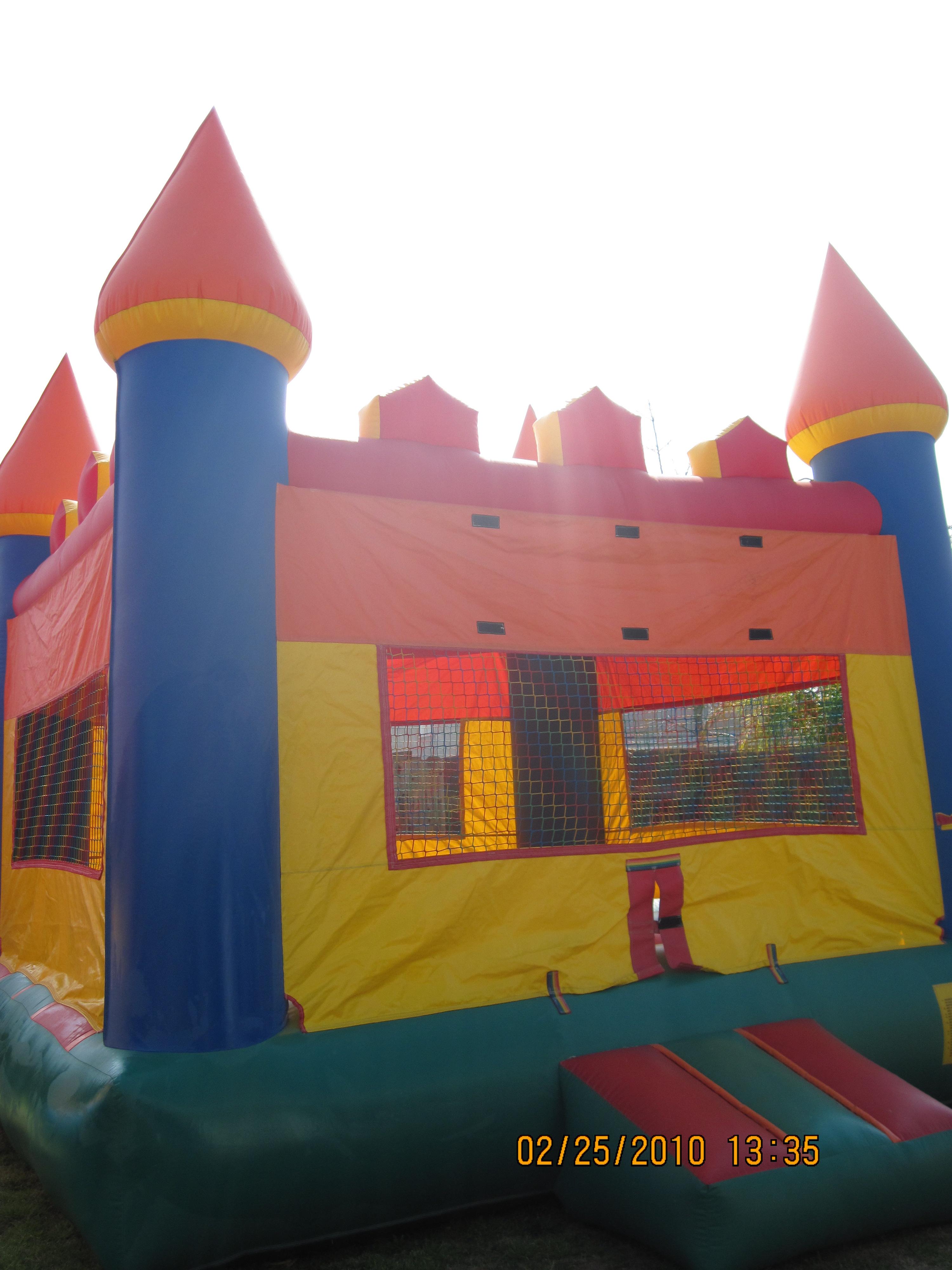 15 X 15 Castle Bounce House